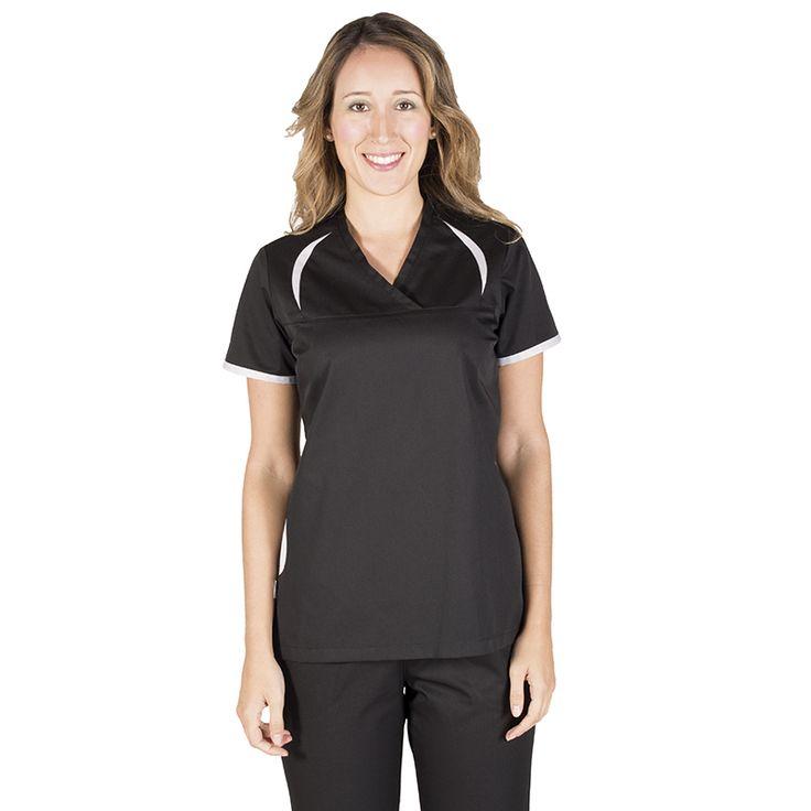 6084 blusa sanitaria Sara en manga corta. Disponible en negro y en blanco combinando con varios colores
