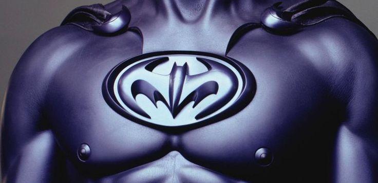 The Batman: Matt Reeves revela o que o traje do Protetor de Gotham não terá