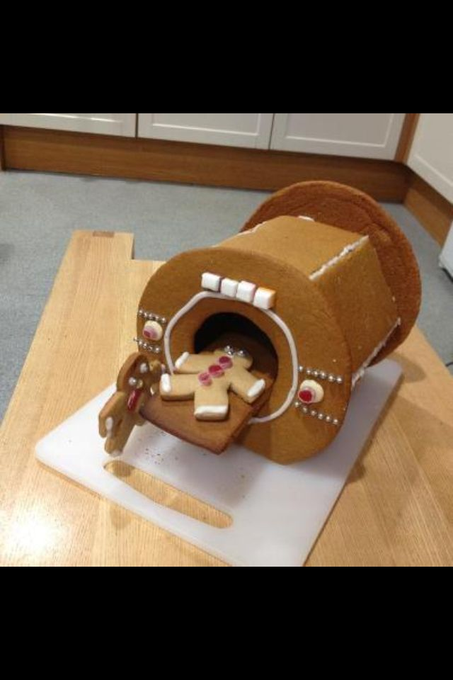 Gingerbread MRI. (Picture only, no link.) This is awesome! I would like to make one of these for the staff in my office for x-mas