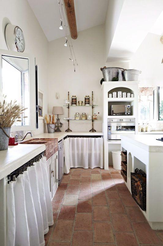 Kuchnia w stylu prowansalskim / Provence - style kitchen idea.