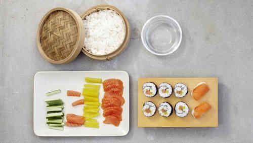 """Das Bild zeigt unser Rezept """"Sushi selber machen"""" - Schritt für Schritt."""