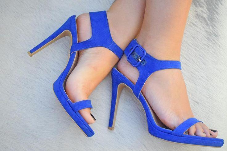 spiero_shopGreek blue... Το χρώμα που μας θυμίζει τις ομορφιές της Ελλάδας και μας κάνει να ανυπομονούμε για τις καλοκαιρινές διακοπές! ➡️ Link in bio #spiero #spieroshoes #newcollection #ss17 #shopping #online #highheels