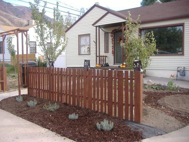 27 best pallet fence design images on pinterest pallet for Wood pallet fence plans