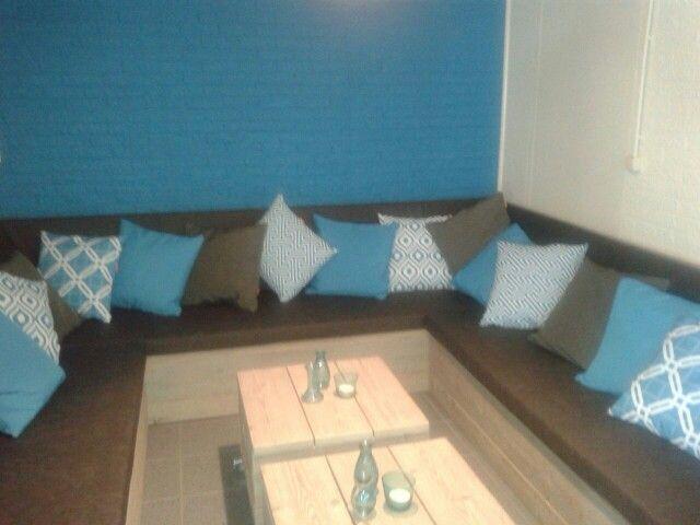 De nieuwe loungebank in de kantine.