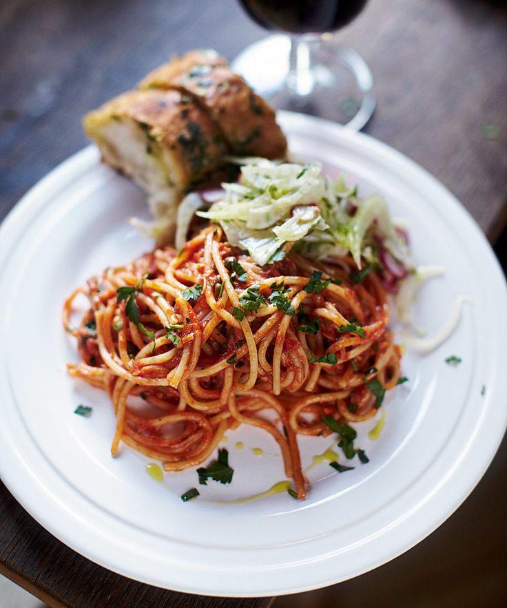 Spaghetti alla puttanesca med tonfisk