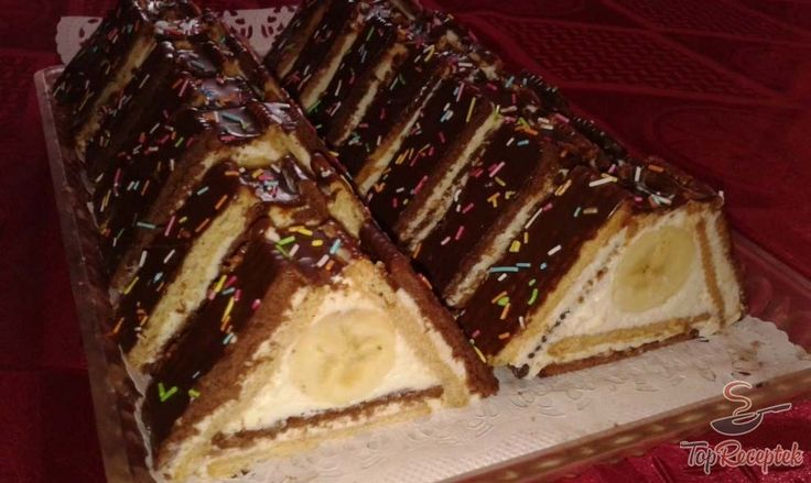 Háztartási kekszből készült töltött sütemény