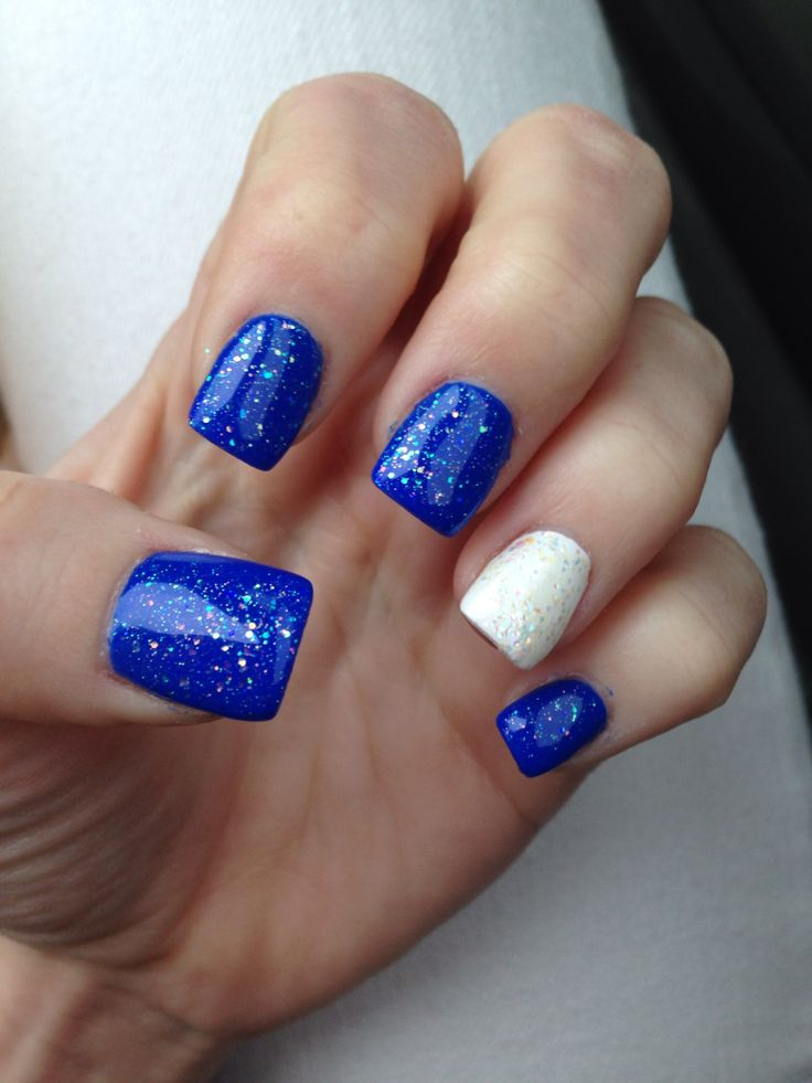 Best 25+ Blue And White Nails Ideas On Pinterest