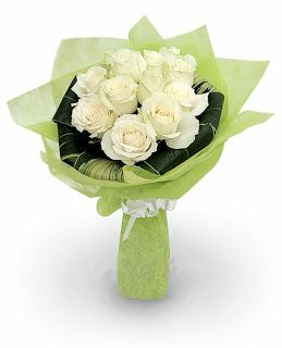 Toko Bunga Bandung   Toko Florist di Bandung - Rangkaian Bunga Ucapan Selamat dan Sukses: Buket Bunga Mawar Putih Bandung