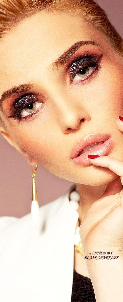 Perfect make up ♕♚εїз | BLAIR SPARKLES