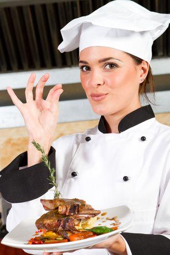 Voici Erika, notre cuisinier! Elle aime faire la cuisine, visiter les pays étranges, et la crème glacée!