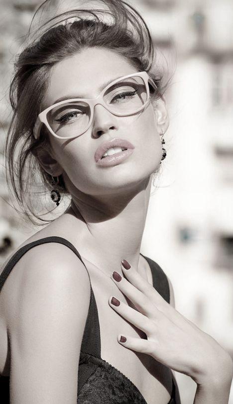 cat eye / glasses / Bianca Balti