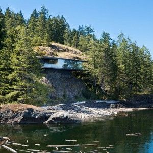 Tula+House+by+Patkau+Architects++cantilevers+over+a+remote+outcrop