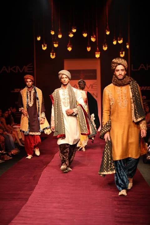sherwanis for the groom by Shyamal & Bhumika
