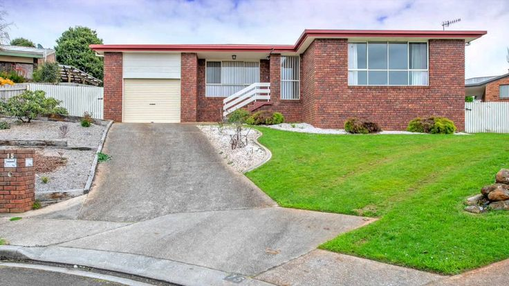 15 Wirilda Dr, Burnie  Presented by Andrew de Bomford at Harcourts