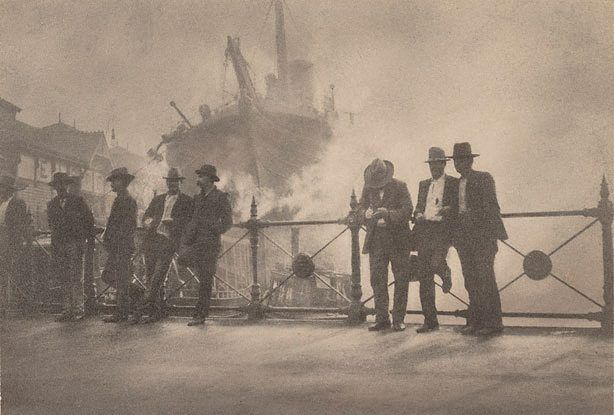 Wharfies, Circular Quay Sydney Australia, (1910) by Harold Cazneaux :: The Collection :: Art Gallery NSW