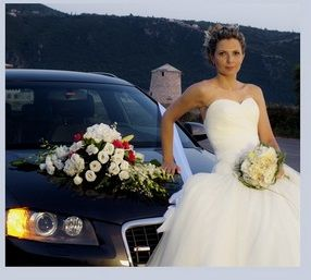 Wedding car flower decoration white and red