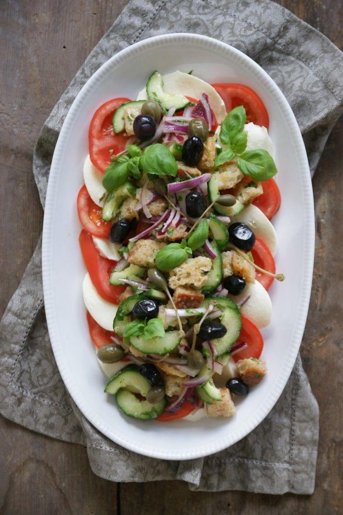 Här kommer dagens vegetariska recept där vi har kombinerat två av våra italienska favoritsallader - panzanella och caprese. Den kan serveras som en matig sallad för sig själv eller passar...