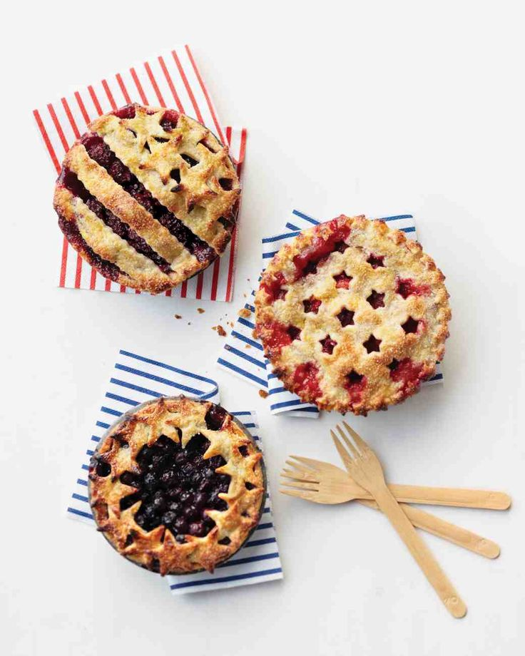 Fourth of July Summer Berry Pies // Per tradition, I'd like to make a berry pie this weekend! Have used this recipe before for a full-size pie and it was very good.