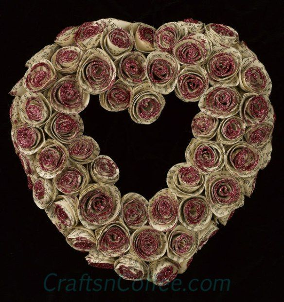 DIY a Paper Roses Wreath for Valentine's Day