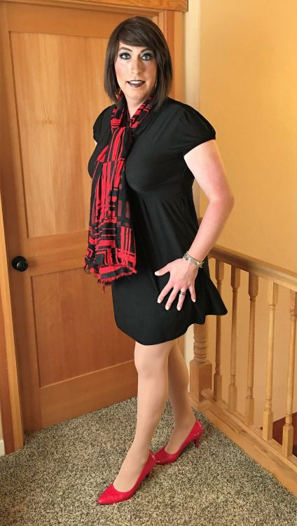 Well Dressed Crossdressers and Transgendered Women: I do ask those of you reblogging my content to please refrain from making sexual comments in the reblog also please try to use the appropriate pronouns and promote positive awareness. This blog is...