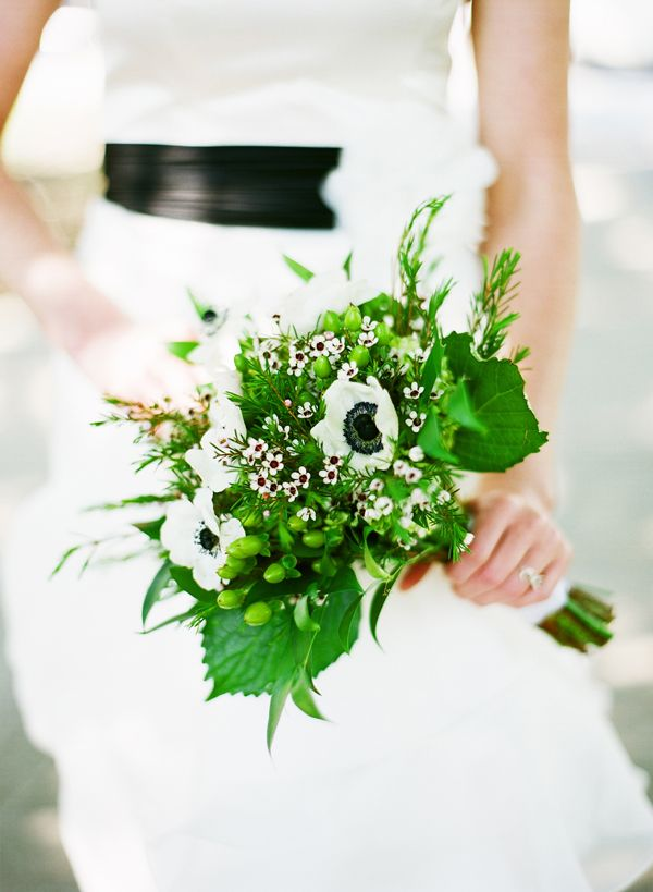 LOVE IT!!!!!!!!!!! Fresh green and white anemone wedding bouquet - Katie Stoops Photography