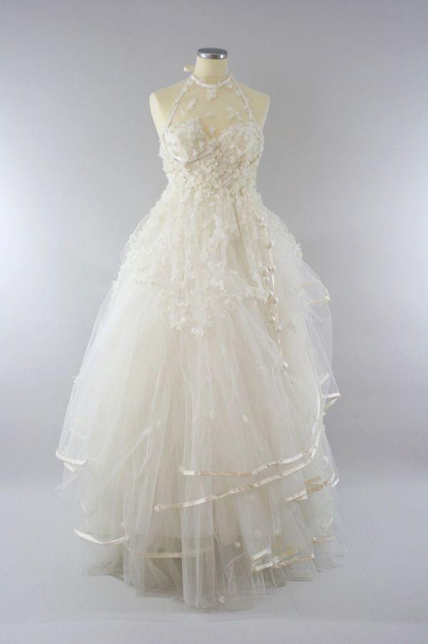 Dépôt vente, petits prix robe de mariée /