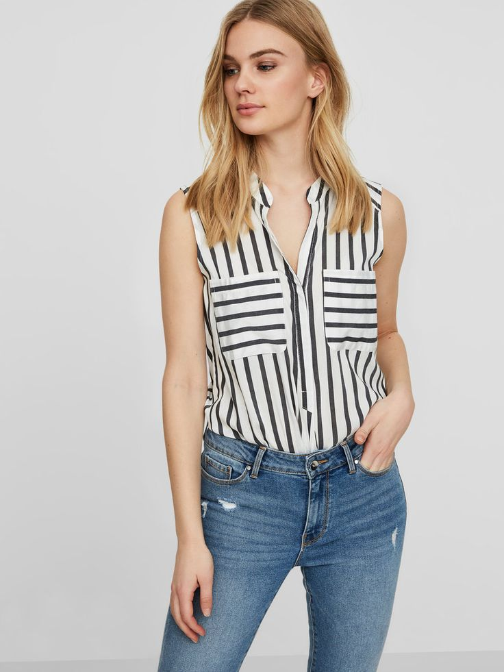 Z2018  Striped shirt without sleeves | Button closure at the front | Pockets at the chest | V-neckline at the front | Curved hemline | Longer at the back | The model is 180 cm tall and wearing a size S
