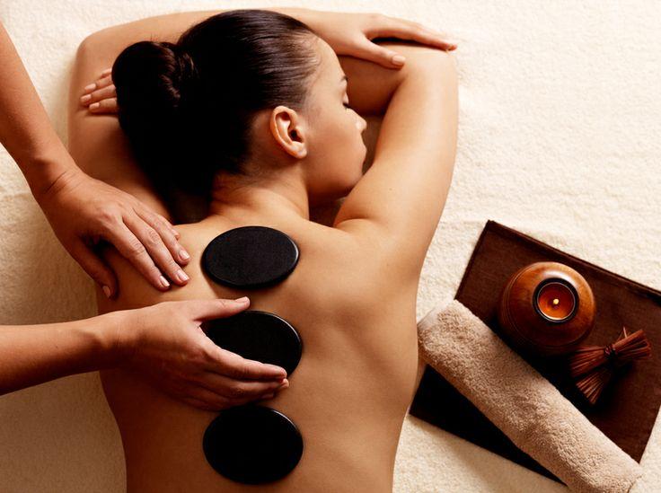 Hot-stone massasje fra NOK 399. Er du VFM kunde får du lavere pris på behandlinger. Alle kan bli VFM kunder:  http://www.secure-booker.com/visagist/Services/Services.aspx
