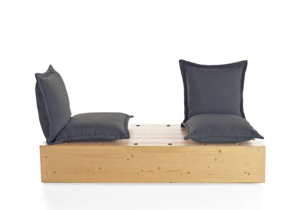 Facile outdoor sofa by Marco Gregori for Formabilio
