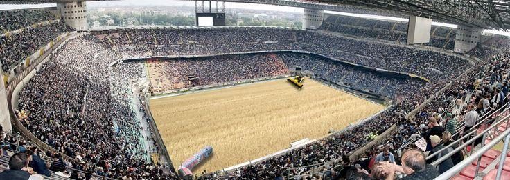 Lo spettacolo dell'agricoltura - Stadio Meazza, Milano - Mietitrebbia New Holland