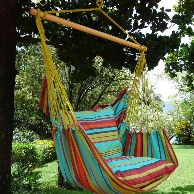 Relaxte hangstoel die zowel binnen als buiten opgehangen kan worden