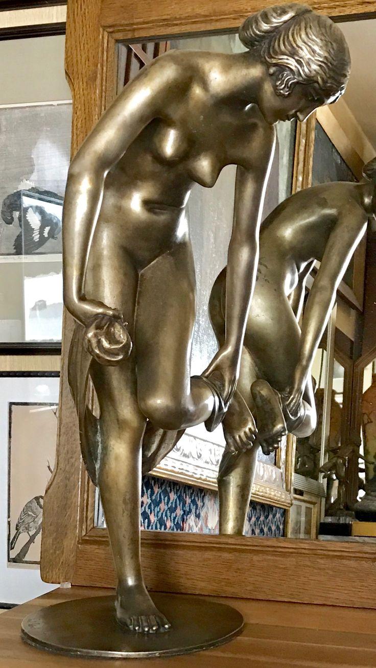 """Peterich paul , 1864-1937 , NACH DEM BADE.  Signiert : """" Paul Peterich  """" ; Gießermarke : """" FOND : ART LAGANA NAPOLI """".  Peterich hatte seinen Wohnsitz von  1907-1914 in Florenz."""