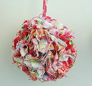 How to make a scrap fabric pom pom