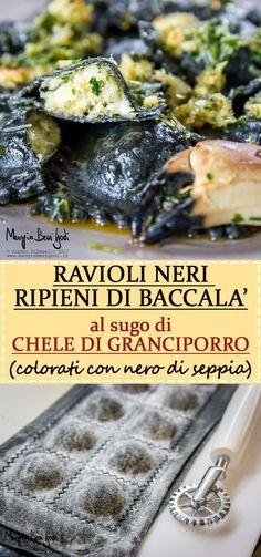 Questi ravioli neri ripieni di baccalà mantecato con sugo di chele di granciporro sono la ricetta perfetta per Natale e Capodanno.