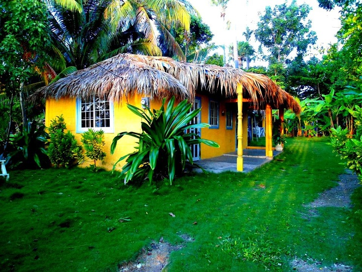 # yellow house in Port- Salut