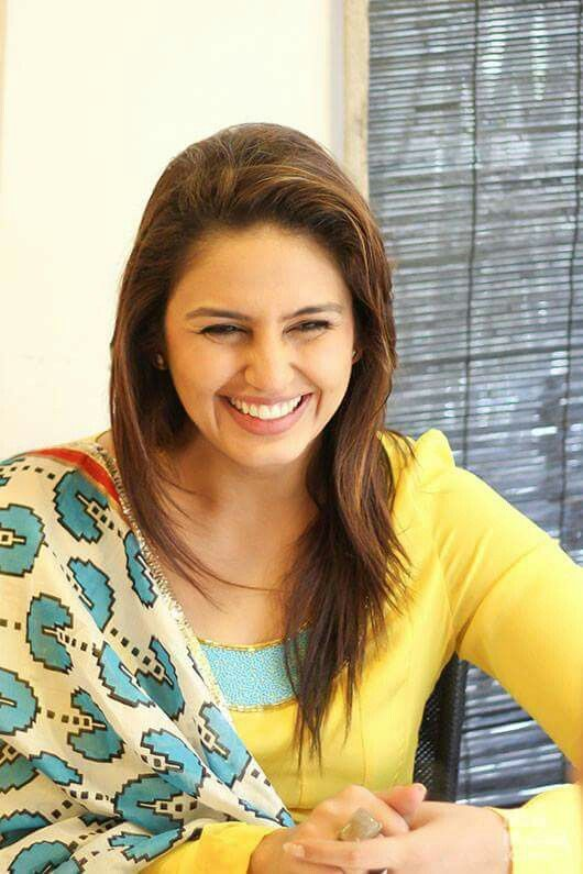 So Beautiful Smile Huma Qureshi <3