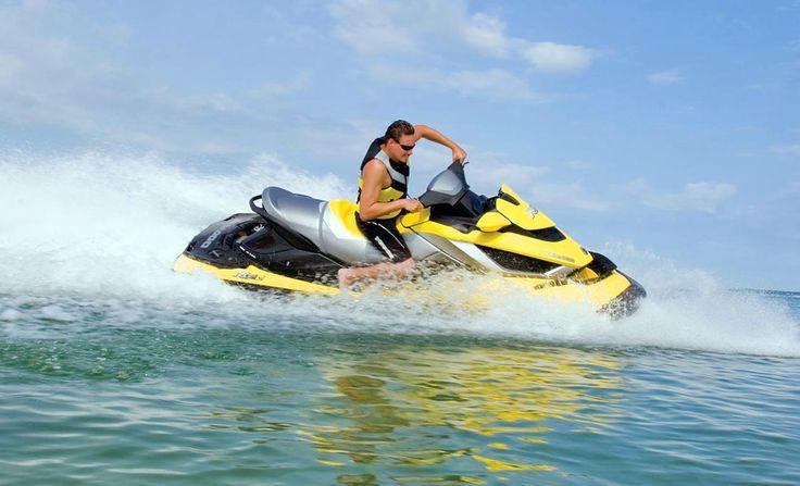 Пляжные развлечения в Геленджике: гидроциклы в Геленджике, поездка на таблетке, поездка на банане, полет на парашюте, аренда катамарана, морские прогулки