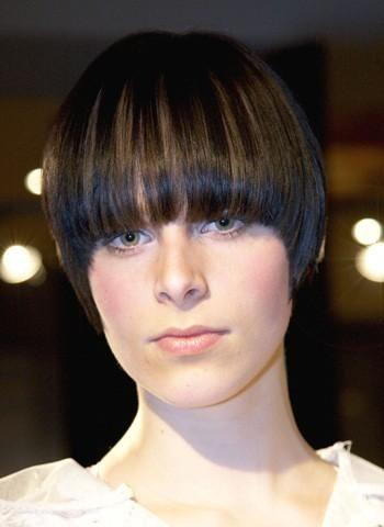 Hairworld.se frisyrbild 2012 - Frisyrbilder- Kvinnor kort hår frisyrbild nummer 687