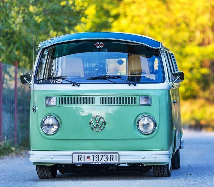 VW Transporter 2 1972 T2 #cars #retro #bus #van #wedding #day #fashion #style #art #image #old #fashion #air #wall #wagon #green
