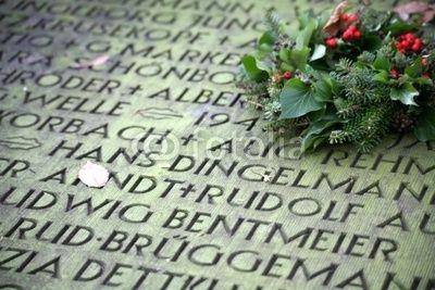 15.11.Volkstrauertag, heute Trauer und Gebete für die Toten in Paris +