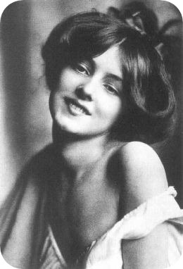 Evelyn Nesbit, Gibson Girl 1900's fashion - Purportedly the 'first' Gibson Girl – and certainly the most beautiful, it has never been proven that Nesbit actually sat for Gibson, but her face was well known.