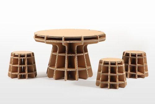 table et tabourets pour enfants
