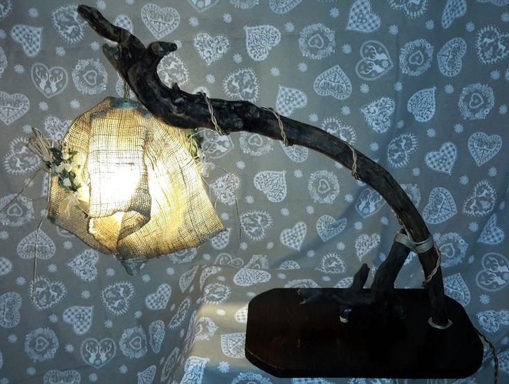 Lightree La Lampada Da Terra Forma Di Abete : Più di fantastiche idee su lampada corda