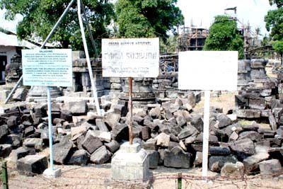The ruins history of the discovery of Prambanan temple  in Yogyakarta