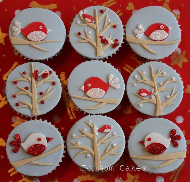 Christmas robins by Pompom Cakes, via Flickr