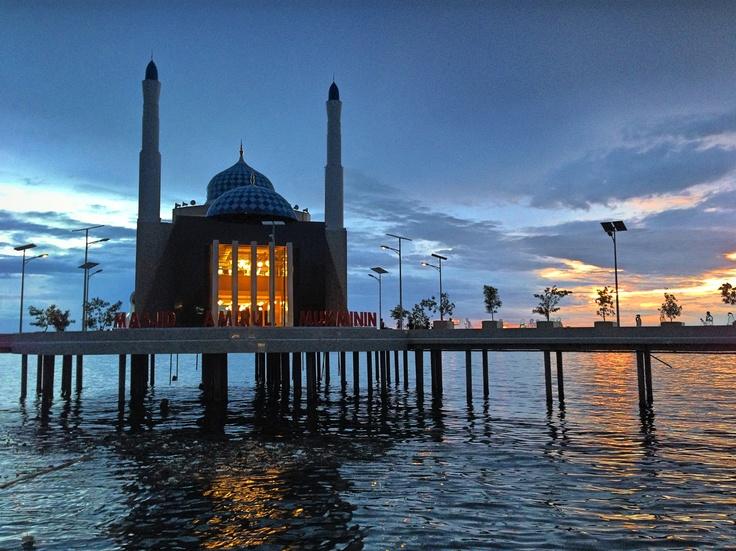 Mosque at Losari beach, Makassar, Indonesia