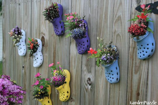 Garden design:Croc Shoe Planters - SpringGardens Ideas, Fence, Old Crock, Cute Ideas, Plants, Flower Pots, Planters, Old Shoes, Yards