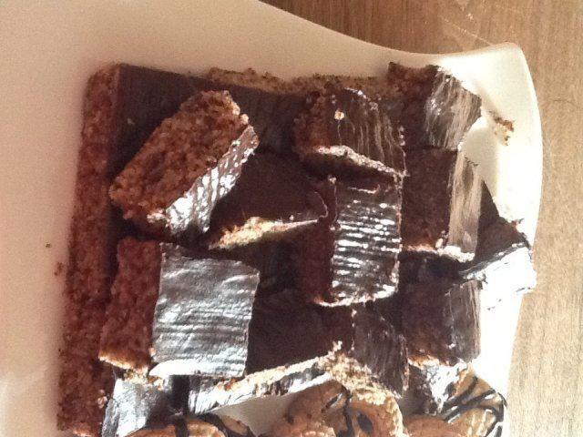 Das perfekte Schokoladenbrot mit Butter oder Margarine und Zucker-Rezept mit Bild und einfacher Schritt-für-Schritt-Anleitung: Butter und Zucker schaumig…