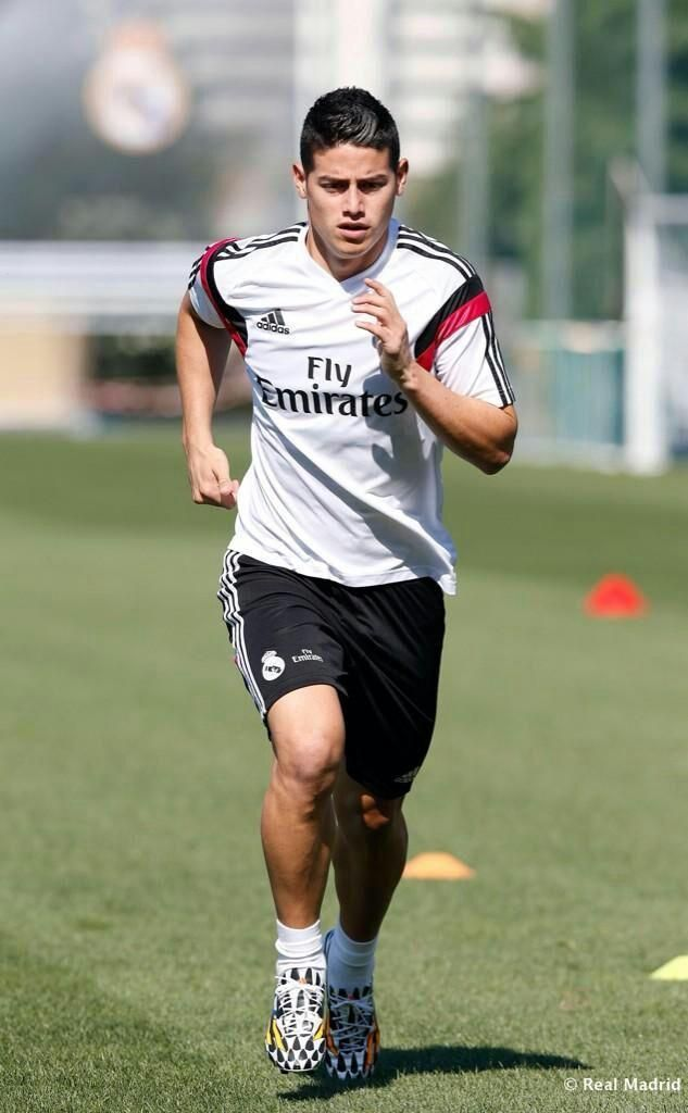 Entrenamiento de James con el Real Madrid