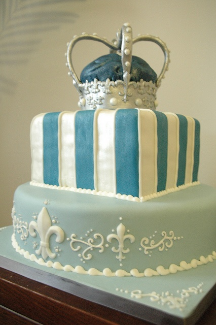 This is def. my fave cake design to make for a single person cake